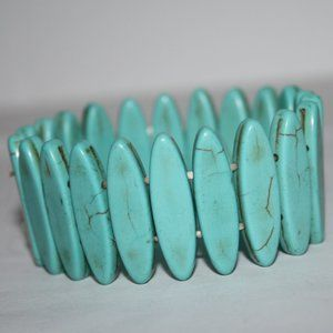 "Beautiful turquoise beaded bracelet 7""'"